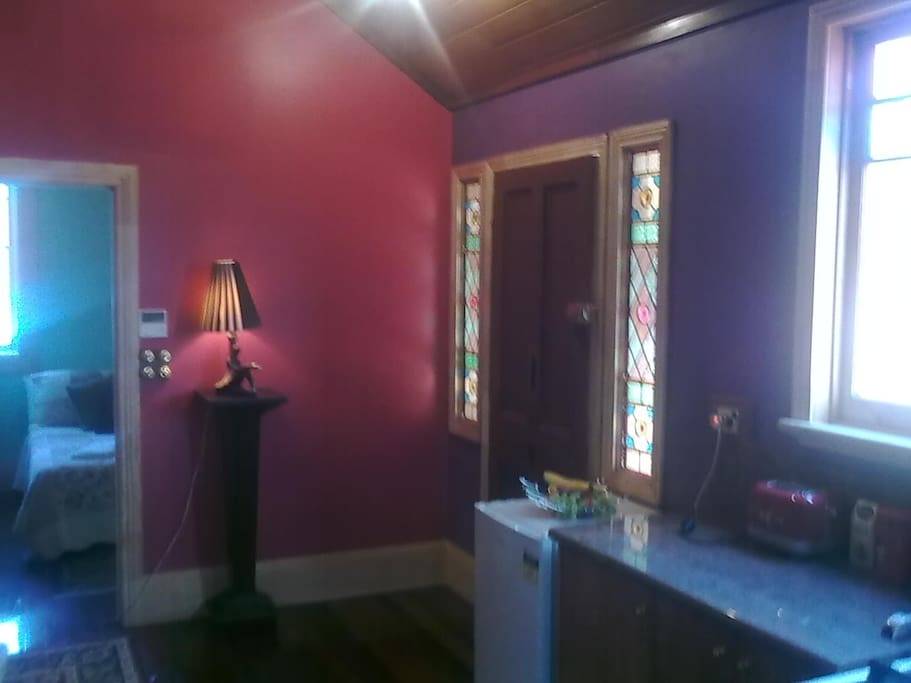 The colourful and romantic interior of Aarav Cottage