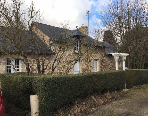 maison en pierre entre mer et campagne - Saint-Martin-d'Audouville