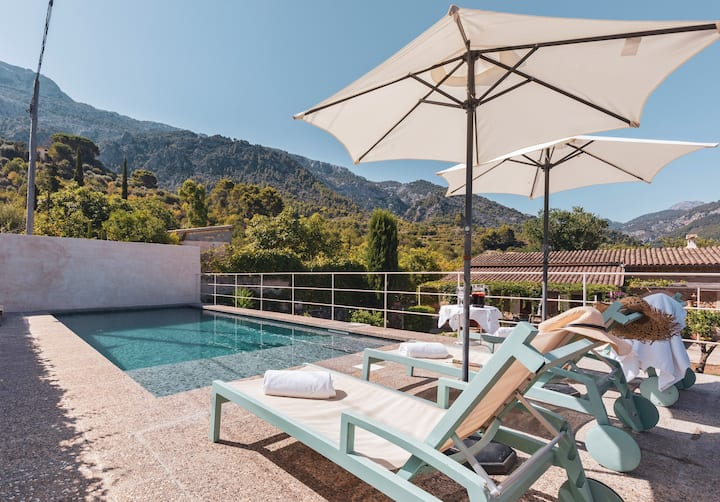 In an idyll in the mountains – Villa Can Nou