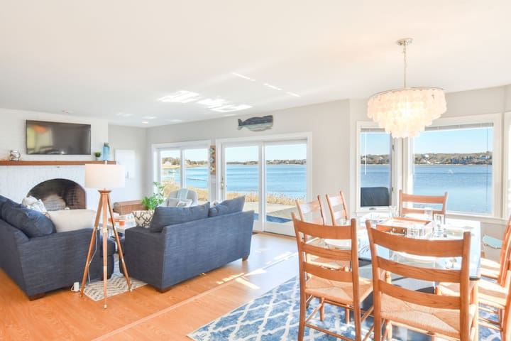 #453: Large Waterfront Deck w/ Amazing Views! Very Spacious - 2 Master Suites!