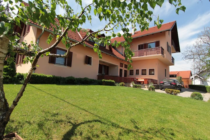 Apartments & rooms Stefanac 1 - Slunj - Flat
