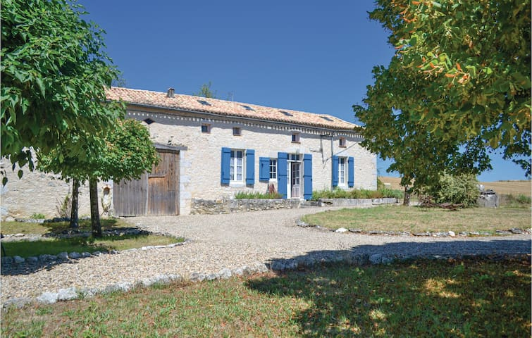 Holiday cottage with 4 bedrooms on 120m² in Plaisance
