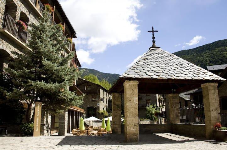 Habitación triple 3 camas en el corazón de Ordino