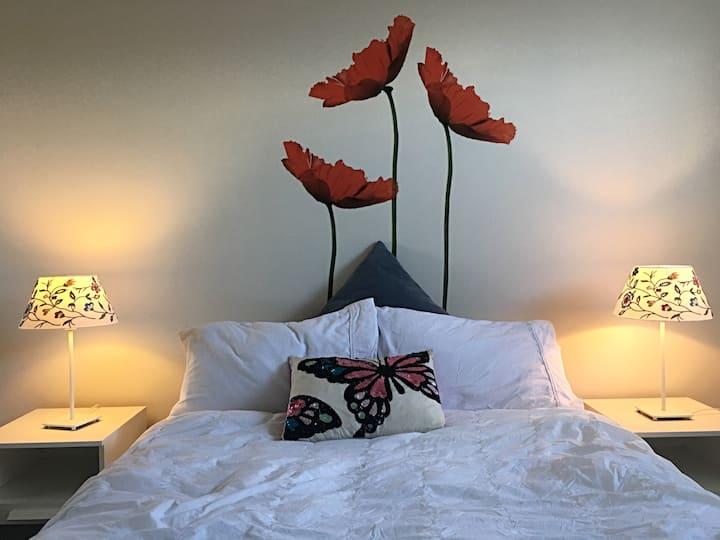 BED & BREAKFAST in NEW Designer Home