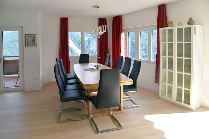 Large 6.5-room holiday home in Sent, Engadin