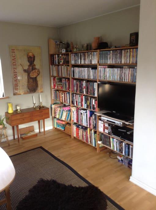 Boghjørnet med litteratur til både børn og voksne.