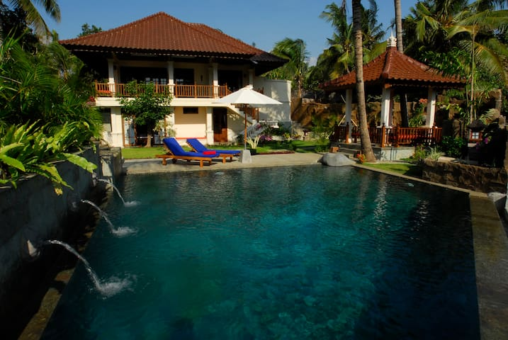 Villa Tunjung a haven of relaxation - Seririt - Hus
