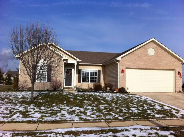 **SuperBowl XLVI Southside Rental** - Indianapolis - House