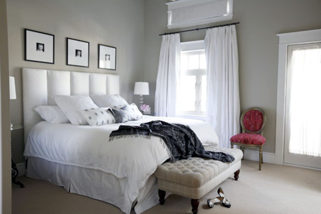 King size luxury Duxiana bed from Sweden. It doesn't get any better! Linens from Italy