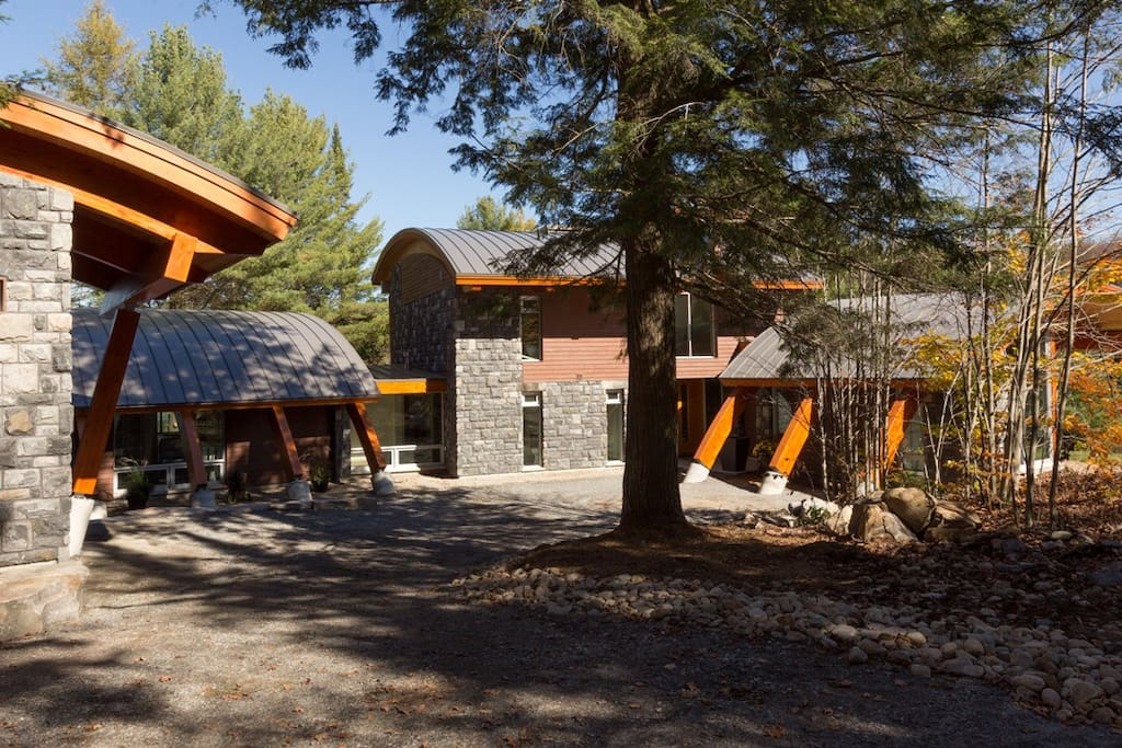 Local black granite and Douglas fir heavy timber beams clad the exterior and interior.
