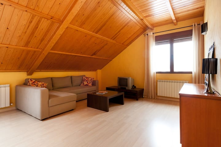 Buhardilla en el Valle de Benasque - Seira - Appartement