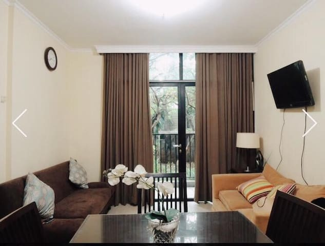 2 Bedrooms Minimalist Apartment at Hampton's Park