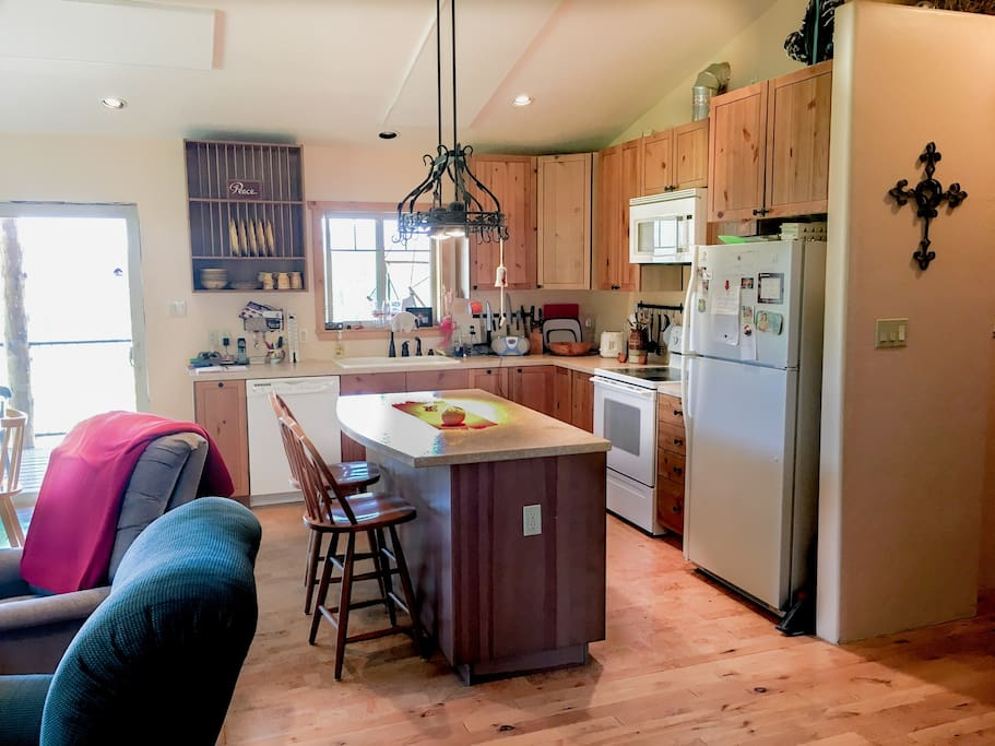 Full kitchen with all dishes necessary.