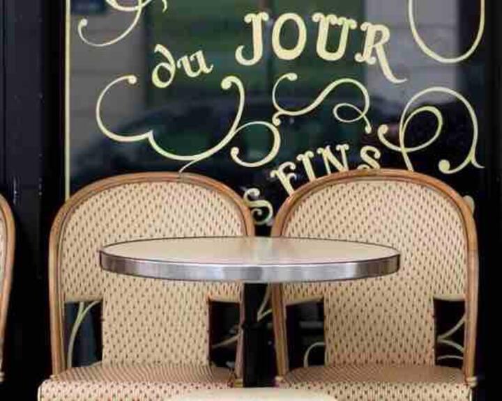 """Parisien Homme Dortoirs"" Metro 5, Bobigny"