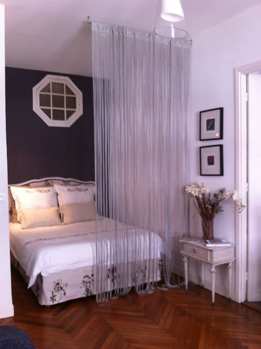 The alcove offers to you a double bed very comfortable