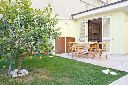 appartamento luminoso su splendido giardino - Cupra Marittima - Appartement