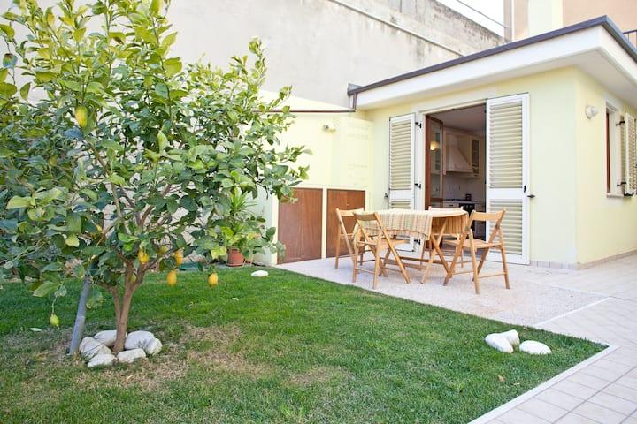 appartamento luminoso su splendido giardino