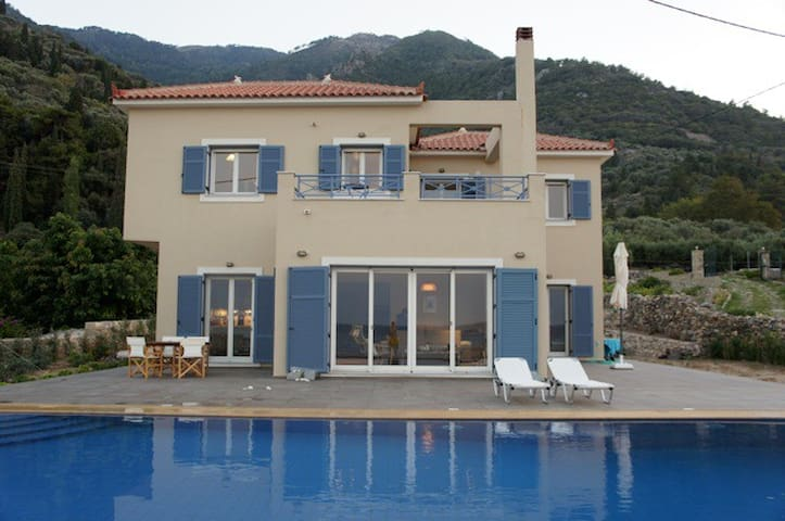 Stunning seafront home - Samos Prefecture - Willa
