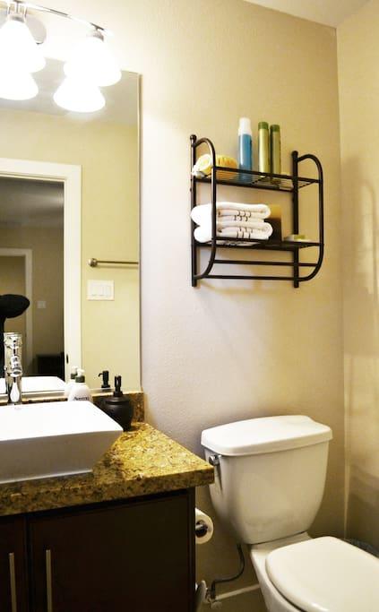 fresh, clean towels. Shampoo, Conditioner, Bath Soap, Bath Sponge.