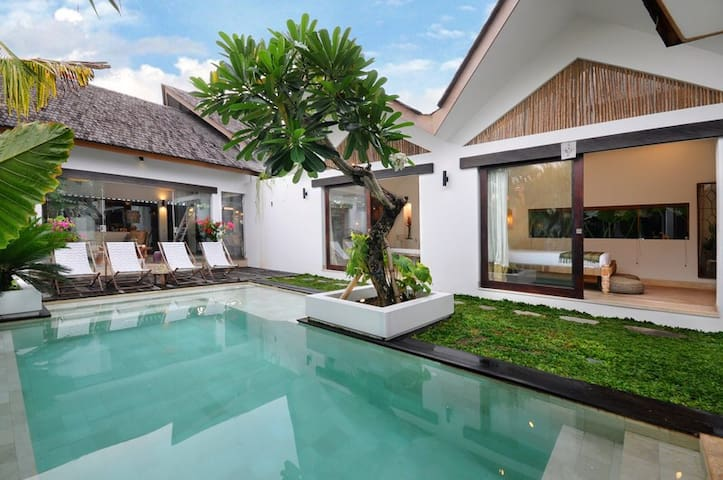 Apartment VillaOceans. Luxury living in Canggu.