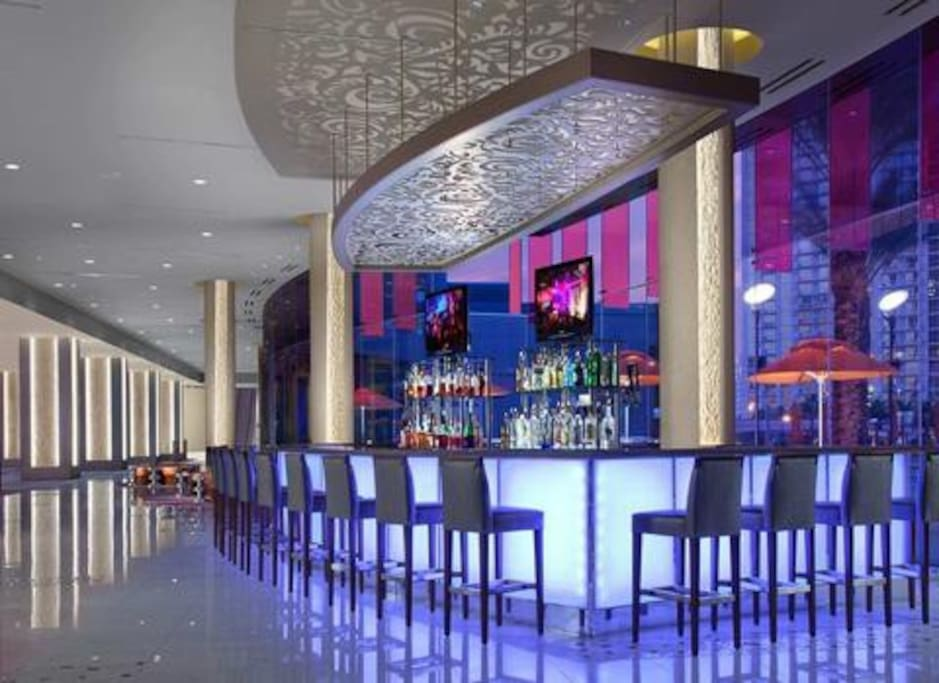 Lobby bar offers drinks of all kinds and a chance to socialize without leaving the building.