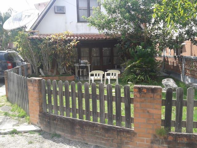 belo condominio fechado em iguaba - Iguaba Grande - House