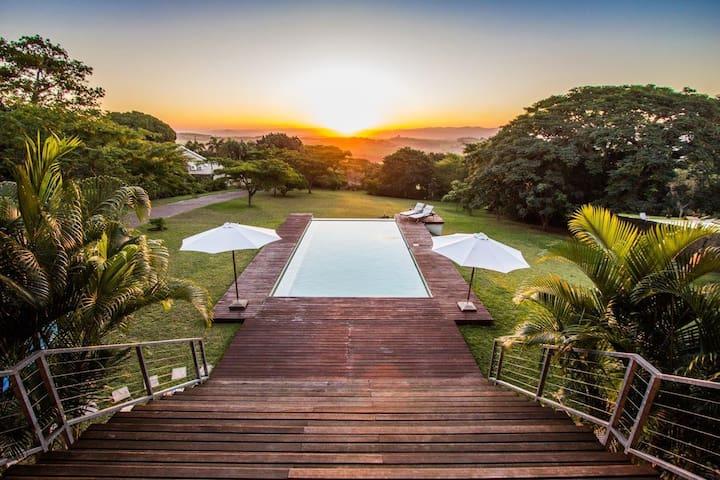 Magnificent villa with breathtaking sundowners