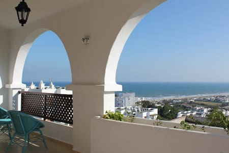 Grand Appartement de Luxe Meublé - Cabo Negro - Apartment