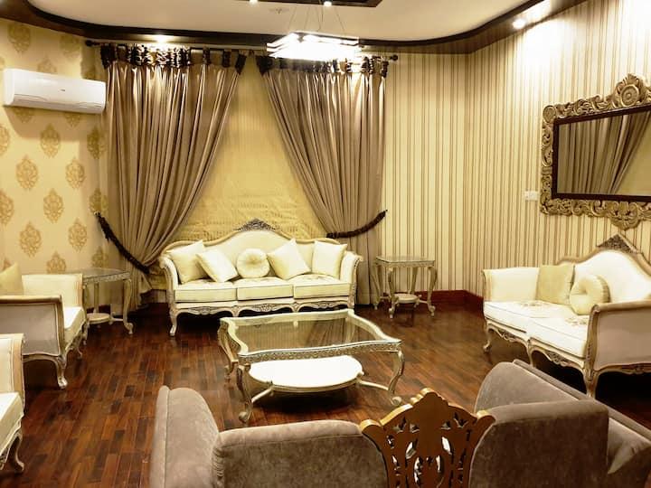 Royal One bedroom in Villa in F10