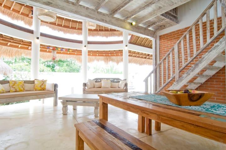Laksmi Villa Yellow Padang Padang