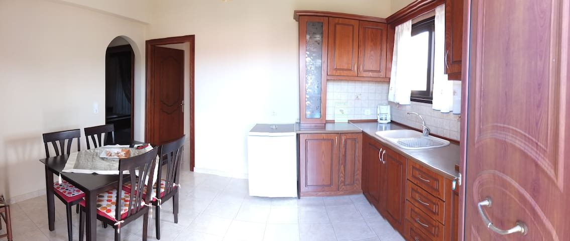 Toulas 2 bedroom apartment - Melitsa - Lägenhet