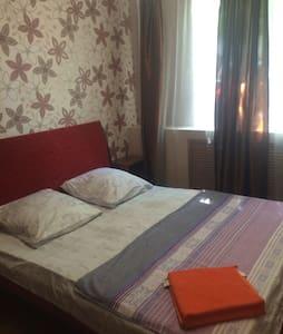 комната в мини отеле на Шолохова - Rostov - Apartment