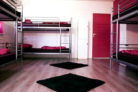 6 beds dorm with breakfast included - Asrama