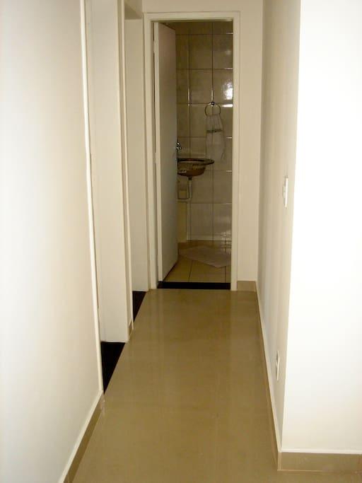 Corredor ( 2 quartos + 1 banheiro)