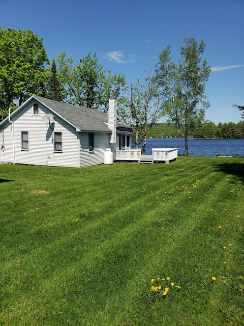Beautiful Waterfront Camp on North Pond with Wi-Fi