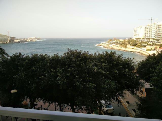 SEAFRONT Sliema Malta. TOWER ROAD - Sliema - Apartmen