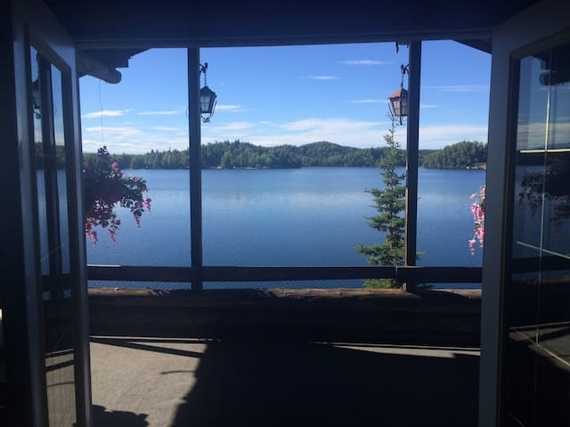 Cabin on Big Lake sleeps 6 - Big Lake - Hytte