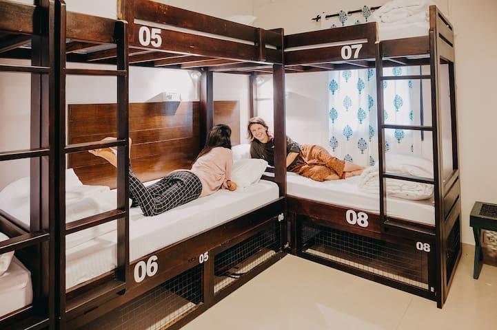 Bed inFemale Dorm @ Horn Ok Please Hostel Jaipur