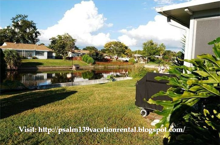 Psalm139 Canal Front Vacation Home