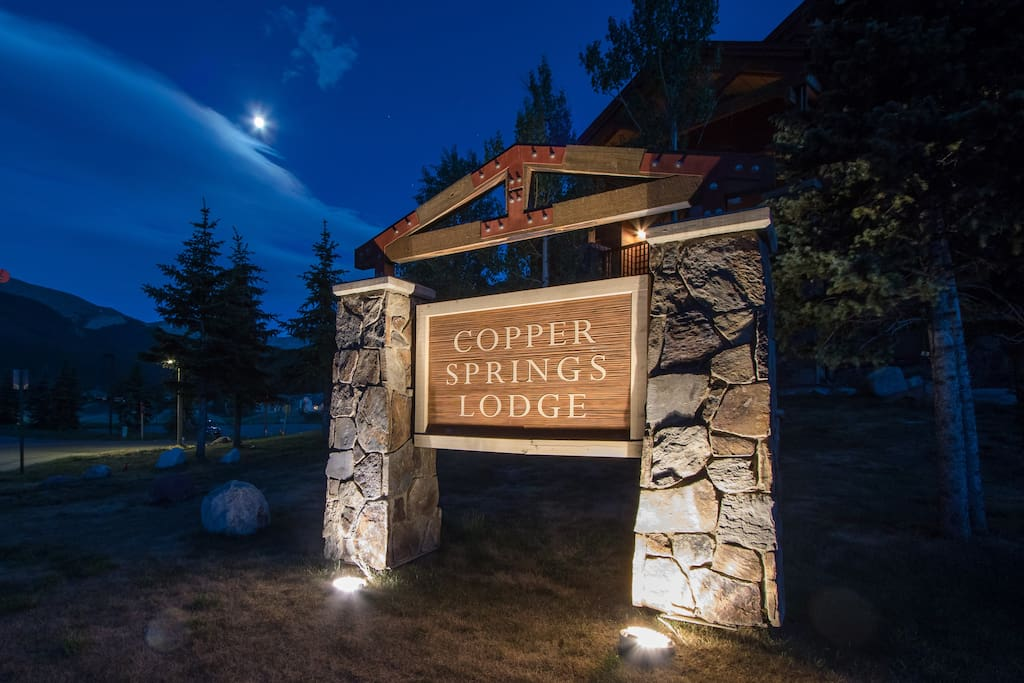 Inviting view of Copper Springs Lodge