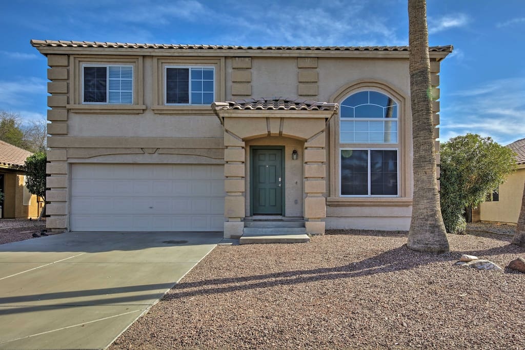 This property is only 20 minutes or less from popular Phoenix attractions.