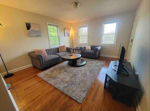 Clean & Spacious 2br in Historic DC
