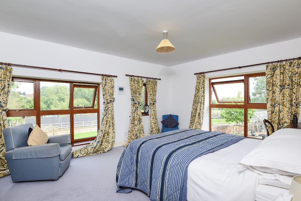 The 'Blue' bedroom with en-suite
