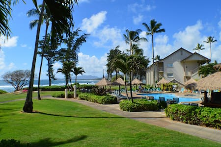 Oceanfront and Poolside Studio in Kapa'a! - カパア