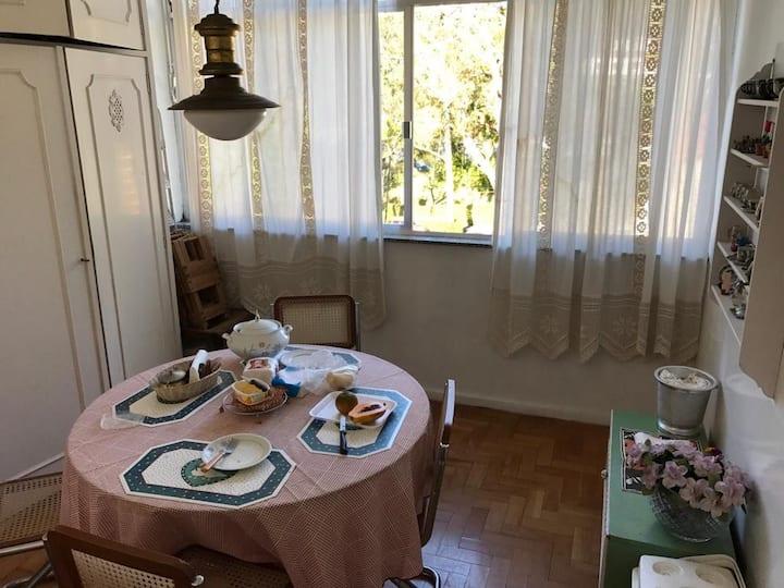Charmoso Apartamento no ASCB Taquara - Petropolis