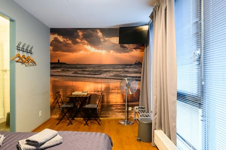 Spacious Private Studio Scheveningen, Den Haag beach