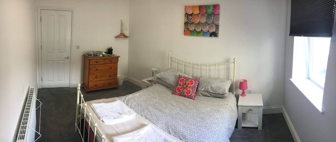 2 Large Double rooms in Filton