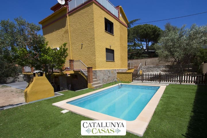 Superb Airesol C villa for 8-9 guests with a private, secure pool and gorgeous mountain views - Barcelona Region - Willa