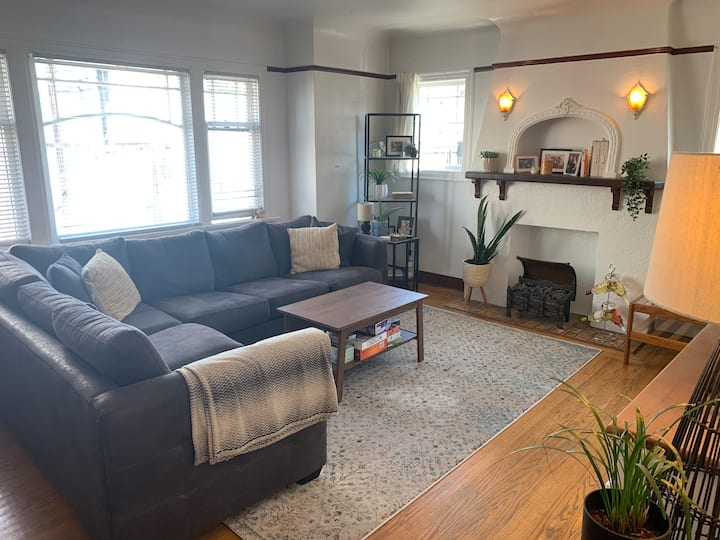 1BR Character Suite - Fairview