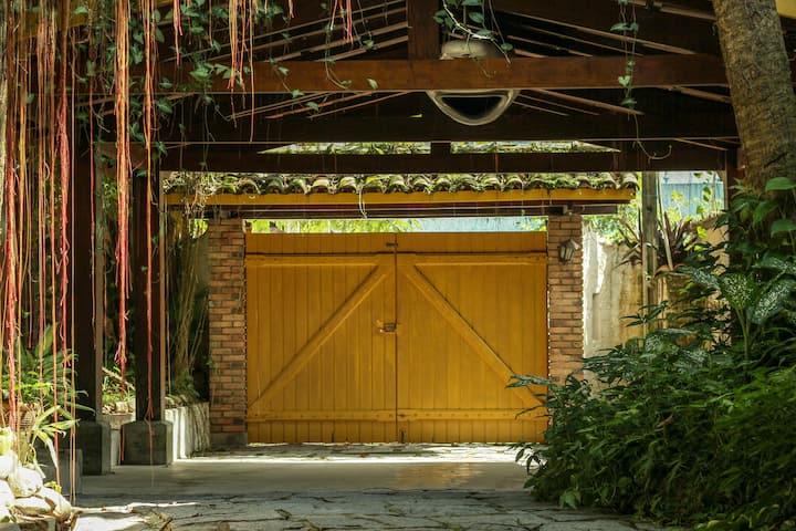Casa Amarela Itaguá